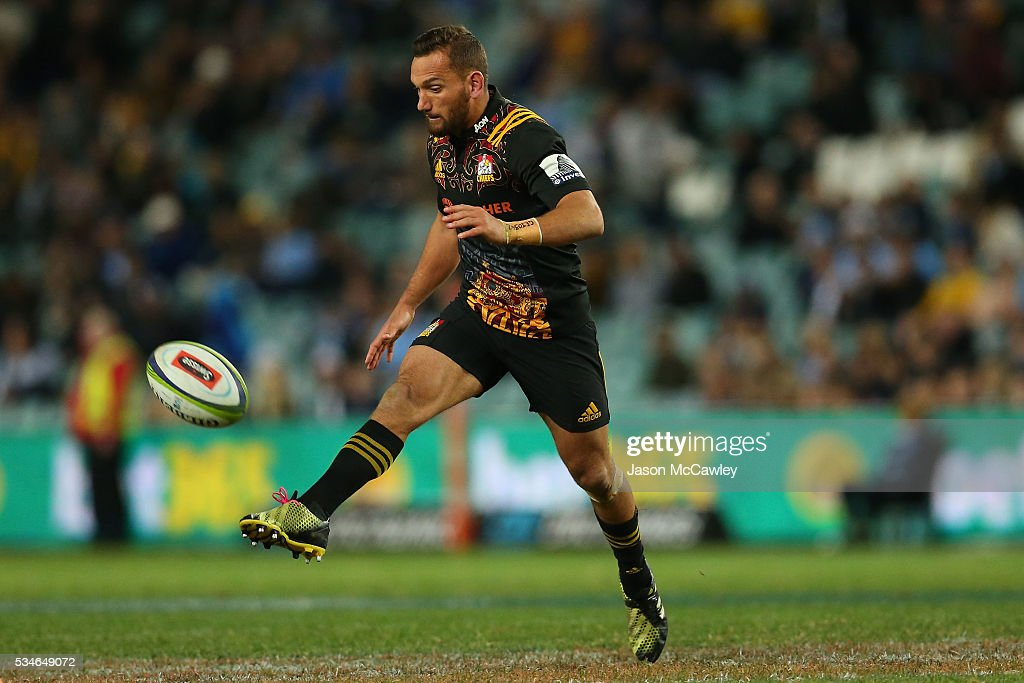 <a gi-track='captionPersonalityLinkClicked' href=/galleries/search?phrase=Aaron+Cruden&family=editorial&specificpeople=5501441 ng-click='$event.stopPropagation()'>Aaron Cruden</a> of the Chiefs kicks during the round 14 Super Rugby match between the Waratahs and the Chiefs at Allianz Stadium on May 27, 2016 in Sydney, Australia.