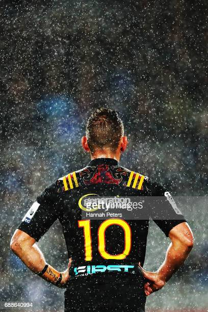 Aaron Cruden of the Chiefs looks on during the round 14 Super Rugby match between the Blues and the Chiefs and Eden Park on May 26 2017 in Auckland...