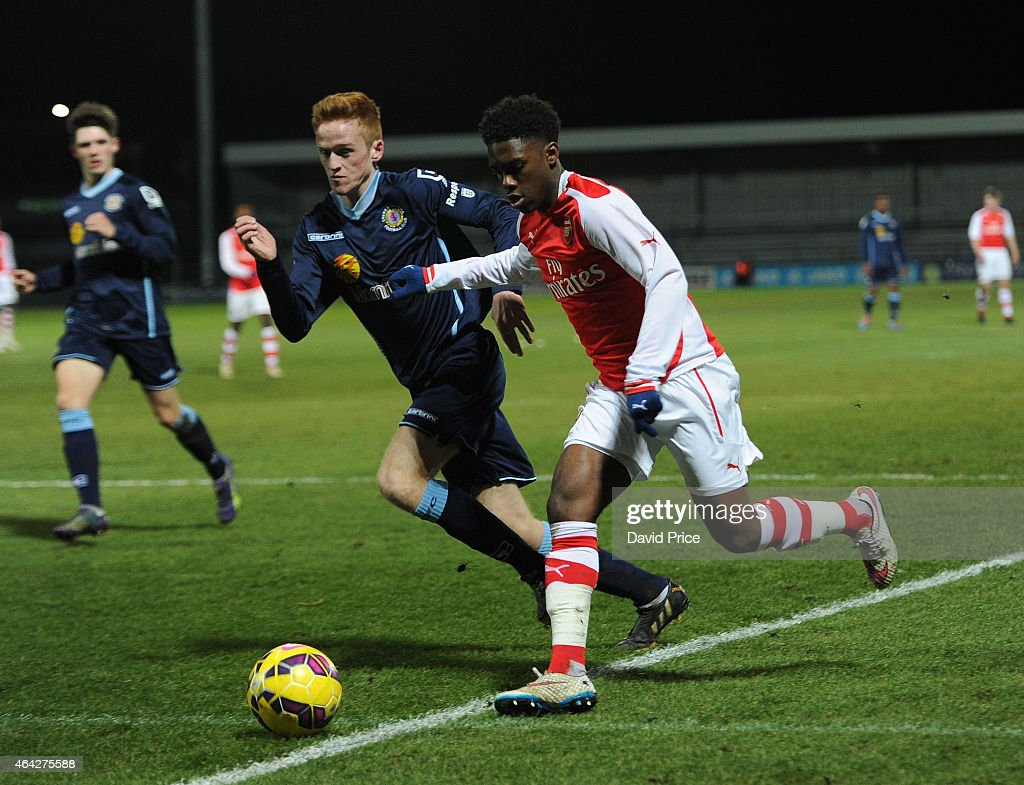 Aaron Eyoma of Arsenal takes on Joe Kearns of Crewe during the match between Arsenal U18 and Crewe Alexandra U18 in the FA Youth Cup 5th Round at The...