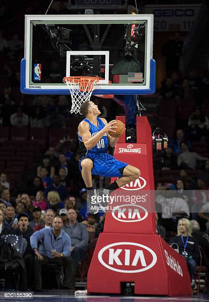 Aaron Gordon of the Orlando Magic dunks the ball against the Philadelphia 76ers in the first quarter at Wells Fargo Center on November 1 2016 in...