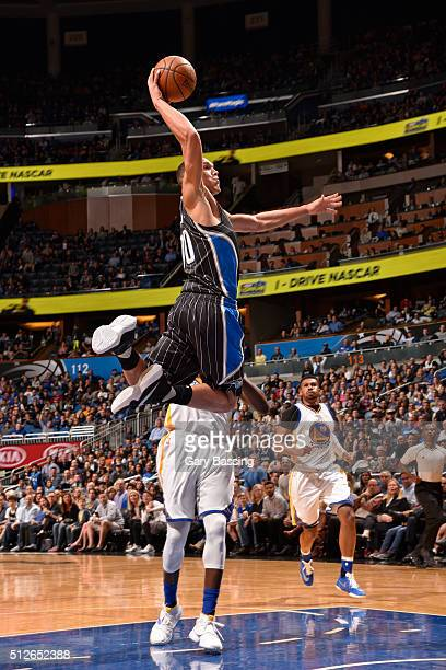 Aaron Gordon of the Orlando Magic dunks the ball against the Golden State Warriors on February 25 2016 at Amway Center in Orlando Florida NOTE TO...