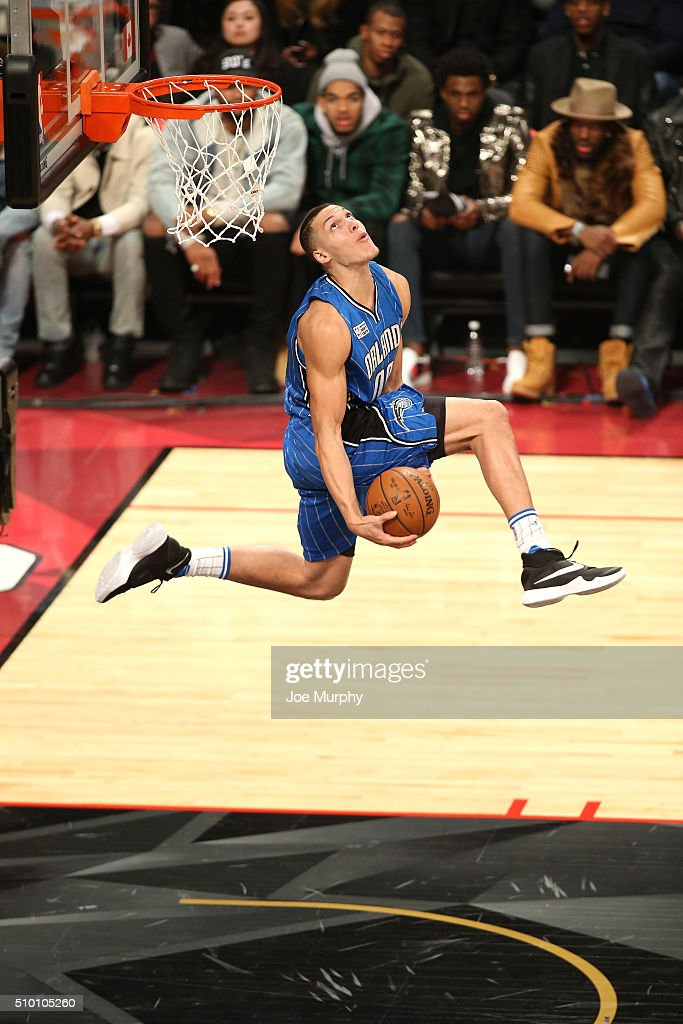 Aaron Gordon #00 of the Orlando Magic dunks the ball during the Verizon Slam Dunk Contest as part of NBA All-Star 2016 on February 13, 2016 at Air Canada Centre in Toronto, Ontario Canada.