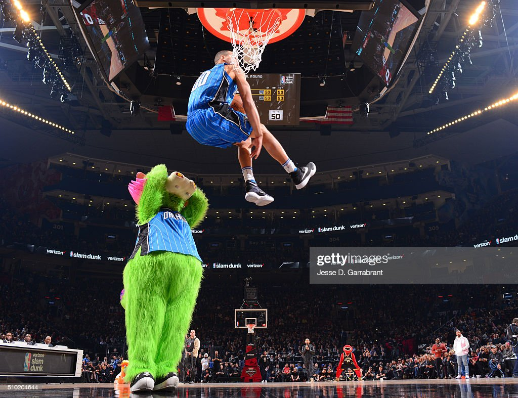 <a gi-track='captionPersonalityLinkClicked' href=/galleries/search?phrase=Aaron+Gordon+-+Basketball+Player&family=editorial&specificpeople=11544602 ng-click='$event.stopPropagation()'>Aaron Gordon</a> #00 of the Orlando Magic goes up for the dunk during the Verizon Slam Dunk Contest as part of the 2016 NBA All Star Weekend on February 13, 2016 at the Air Canada Centre in Toronto, Ontario, Canada.