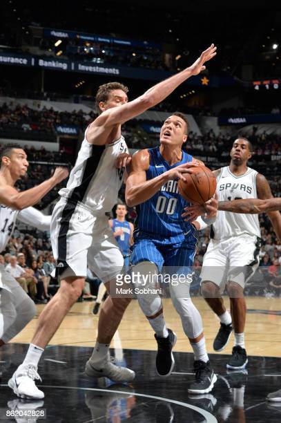 Aaron Gordon of the Orlando Magic shoots the ball during a preseason game against the San Antonio Spurs on October 10 2017 at the ATT Center in San...