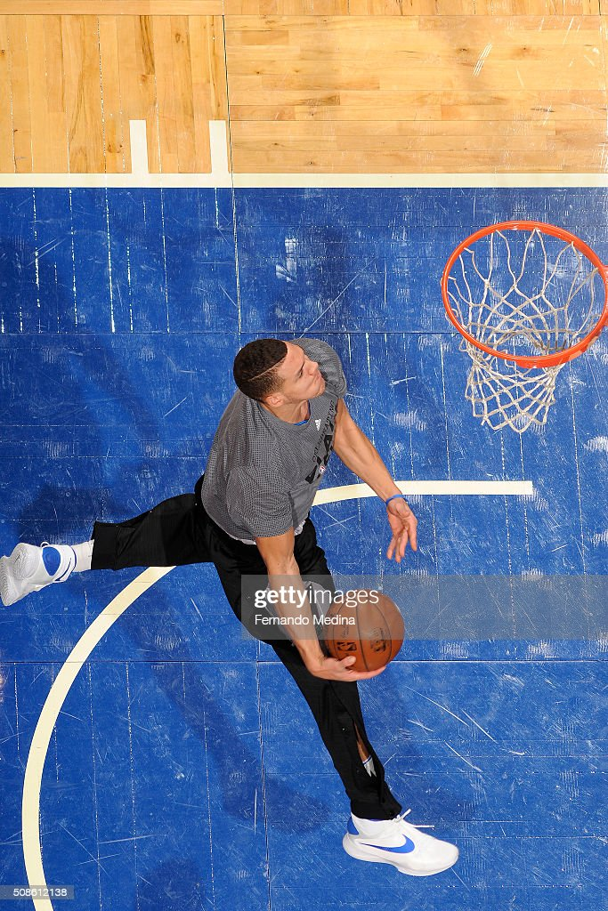 Aaron Gordon #00 of the Orlando Magic warms up before the game against the Los Angeles Clippers on February 5, 2016 at Amway Center in Orlando, Florida.
