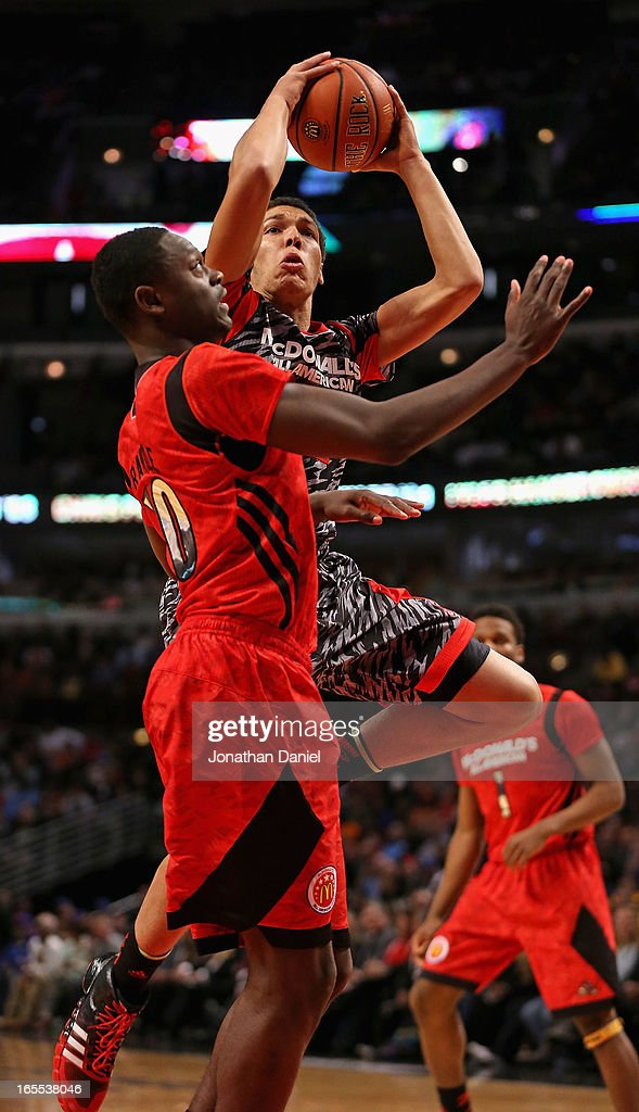 Aaron Gordon #32 of the West shoots over Julius Randle #30 of the East during the 2013 McDonald's All American game at United Center on April 3, 2013 in Chicago, Illinois.