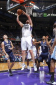 Aaron Gray of the Sacramento Kings shoots a layup against the Memphis Grizzlies on January 29 2014 at Sleep Train Arena in Sacramento California NOTE...