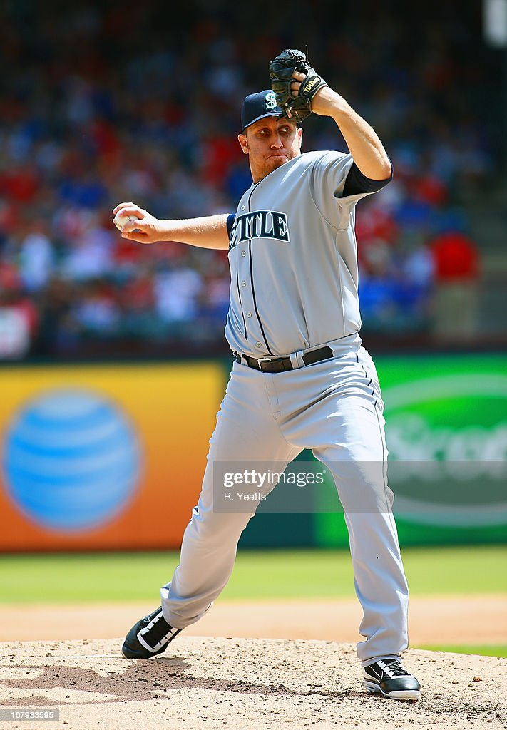 <a gi-track='captionPersonalityLinkClicked' href=/galleries/search?phrase=Aaron+Harang&family=editorial&specificpeople=220641 ng-click='$event.stopPropagation()'>Aaron Harang</a> #39 of the Seattle Mariners throws against the Texas Rangers at Rangers Ballpark in Arlington on April 21, 2013 in Arlington, Texas.