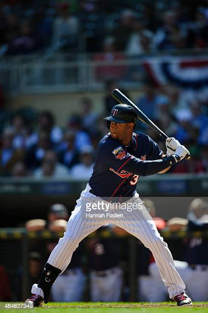 Aaron Hicks of the Minnesota Twins bats against the Oakland Athletics during the game on April 10 2014 at Target Field in Minneapolis Minnesota The...