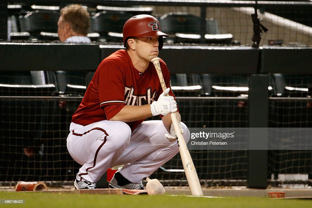 Aaron Hill #2 of the Arizona Diamondbacks waits to bat on deck during the sixth inning of the MLB game against the Colorado Rockies at Chase Field on September 30, 2015 in Phoenix, Arizona.