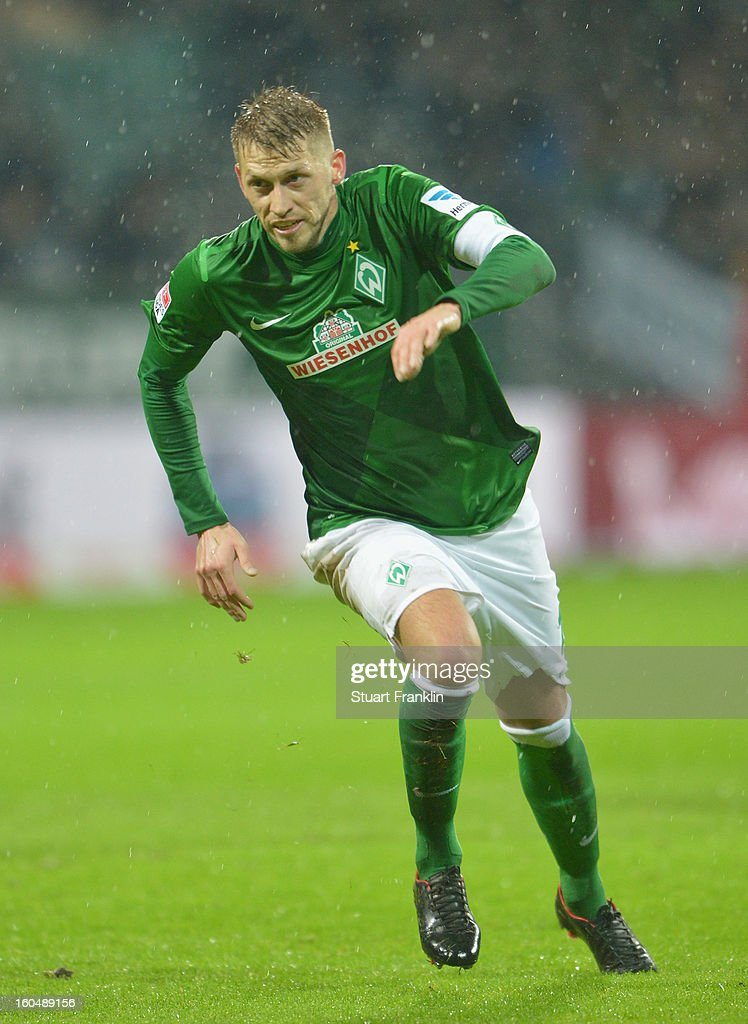 Aaron Hunt of Bremen in action during the Bundesliga match between SV Werder Bremen and Hannover 96 at Weser Stadium on February 1, 2013 in Bremen, Germany.