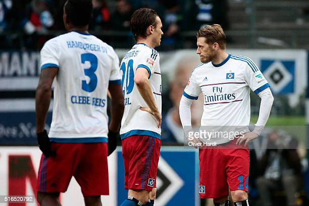 Aaron Hunt of Hamburg appears frustrated after the Bundesliga match between Hamburger SV and 1899 Hoffenheim at Volksparkstadion on March 19 2016 in...