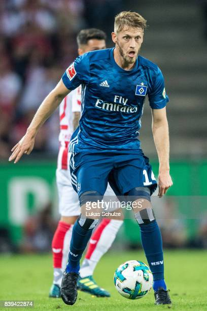 Aaron Hunt of Hamburg in action during the Bundesliga match between 1 FC Koeln and Hamburger SV at RheinEnergieStadion on August 25 2017 in Cologne...