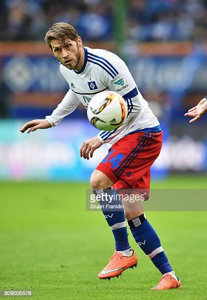 Aaron Hunt of Hamburg in action during the Bundesliga match between Hamburger SV and 1 FC Koeln at Volksparkstadion on February 7 2016 in Hamburg...