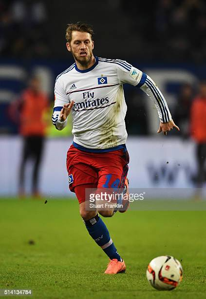 Aaron Hunt of Hamburg in action during the Bundesliga match between Hamburger SV and Hertha BSC at Volksparkstadion on March 6 2016 in Hamburg Germany