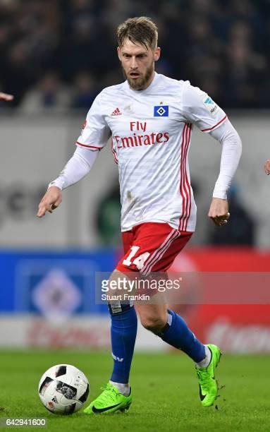 Aaron Hunt of Hamburg in action during the Bundesliga match between Hamburger SV and SC Freiburg at Volksparkstadion on February 18 2017 in Hamburg...