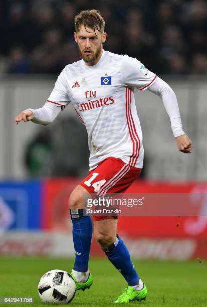 Aaron Hunt of Hamburg in action during the Bundesliga match between Hamburger SV and SC Freiburg at Volksparkstadion on February 18 2017 in Hamburg...