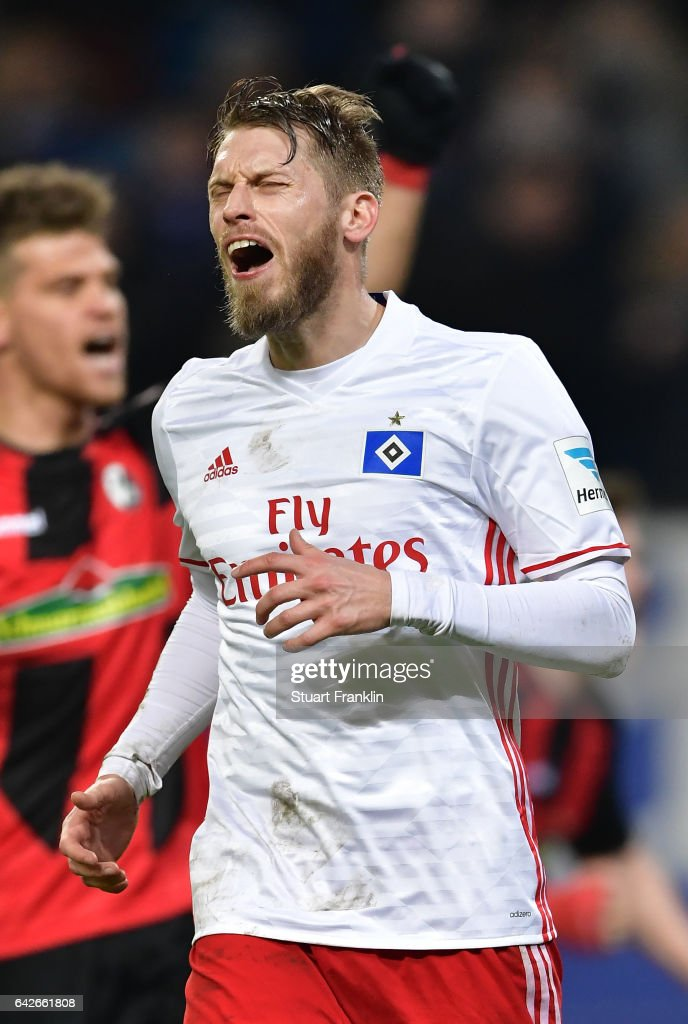 Aaron Hunt of Hamburg reacst after missing the penalty during the Bundesliga match between Hamburger SV and SC Freiburg at Volksparkstadion on February 18, 2017 in Hamburg, Germany.