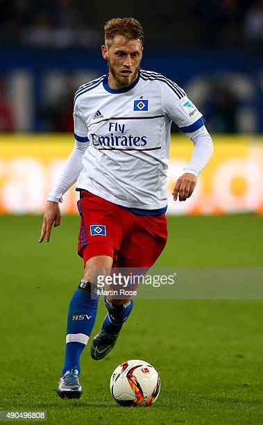 Aaron Hunt of Hamburg runs with the ball during the Bundesliga match between Hamburger SV and FC Schalke 04 at Volksparkstadion on September 26 2015...