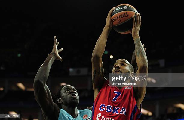 Aaron Jackson of CSKA Moscow shoots a basket during the Turkish Airlines EuroLeague Final Four third place match between FC Barcelona Regal and CSKA...