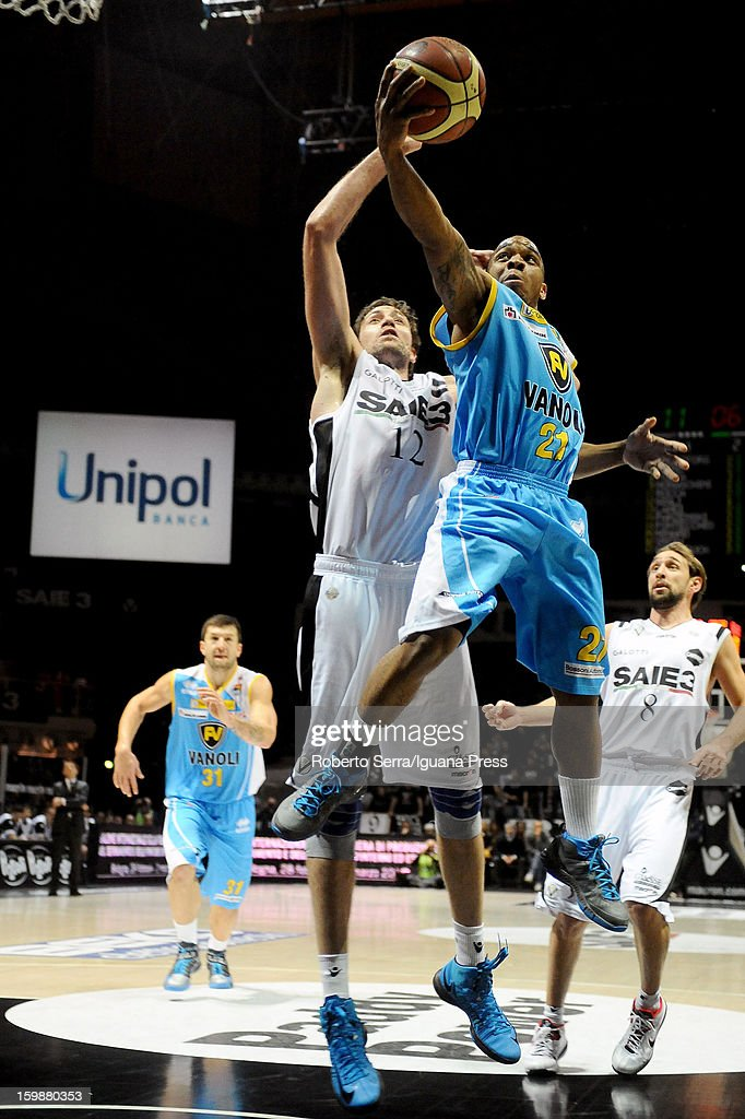 Aaron Johnson of Vanoli competes with Angelo Gigli of SAIE3 during the LegaBasket Serie A match between Virtus SAIE3 Bologna and Vanoli Cremona at Futurshow Station on January 20, 2013 in Bologna, Italy.