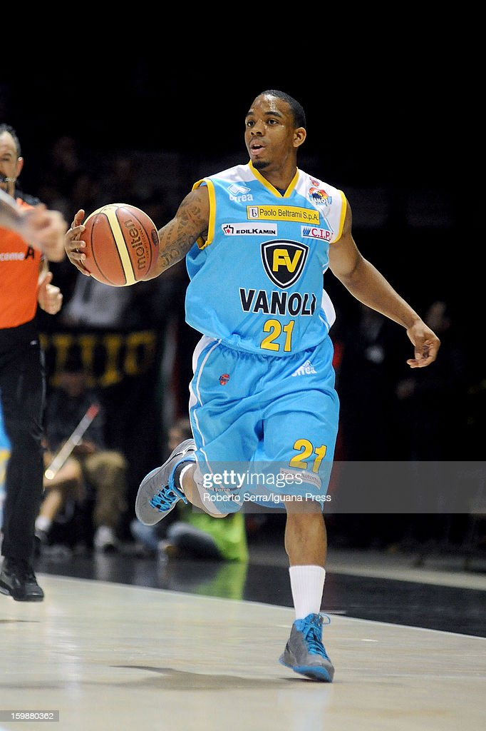Aaron Johnson of Vanoli in action during the LegaBasket Serie A match between Virtus SAIE3 Bologna and Vanoli Cremona at Futurshow Station on January 20, 2013 in Bologna, Italy.
