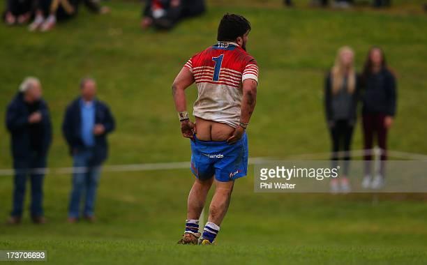 Aaron Kearney of HorowhenuaKapiti pulls up his shorts during the Ranfurly Shield match between Waikato and HorowhenuaKapiti at the Morrinsville...