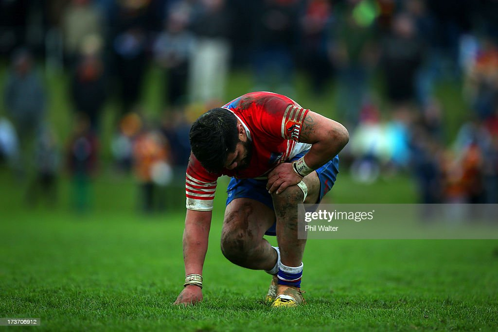 Aaron Kearney of Horowhenua-Kapiti shows his dejection during the Ranfurly Shield match between Waikato and Horowhenua-Kapiti at the Morrinsville Domain on July 17, 2013 in Morrinsville, New Zealand.