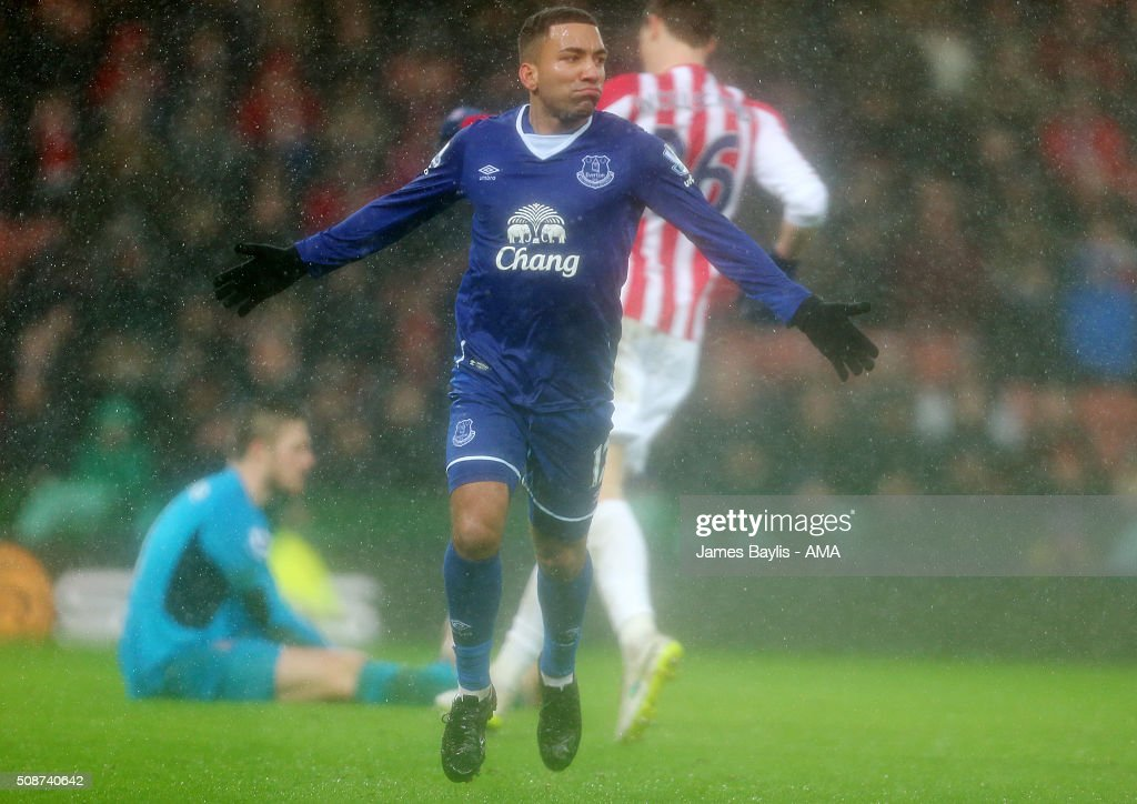 Aaron Lennon of Everton celebrates after scoring a goal to make it 0-3 during the Barclays Premier League match between Stoke City and Everton at the Britannia Stadium on February 06, 2016 in Stoke-on-Trent, England.