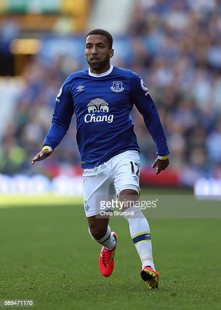 Aaron Lennon of Everton in action during the Premier League match between Everton and Tottenham Hotspur at Goodison Park on August 13 2016 in...