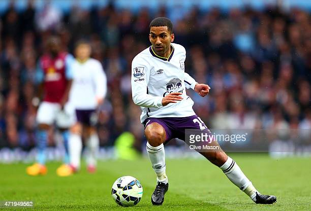 Aaron Lennon of Everton in actoin during the Barclays Premier League match between Aston Villa and Everton at Villa Park on May 2 2015 in Birmingham...