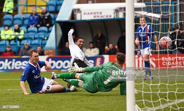 Aaron Lennon of Everton scores his team's second goal during the Emirates FA Cup Fourth Round match between Carlisle United and Everton at Brunton...