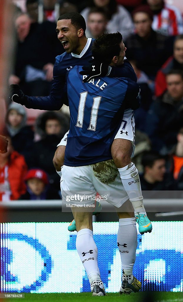 <a gi-track='captionPersonalityLinkClicked' href=/galleries/search?phrase=Aaron+Lennon&family=editorial&specificpeople=453309 ng-click='$event.stopPropagation()'>Aaron Lennon</a> of Tottenham celebrates scoring his teams second goal with <a gi-track='captionPersonalityLinkClicked' href=/galleries/search?phrase=Gareth+Bale&family=editorial&specificpeople=609290 ng-click='$event.stopPropagation()'>Gareth Bale</a> during the Barclays Premier League match between Sunderland and Tottenham Hotspur at Stadium of Light on December 29, 2012 in Sunderland, England.