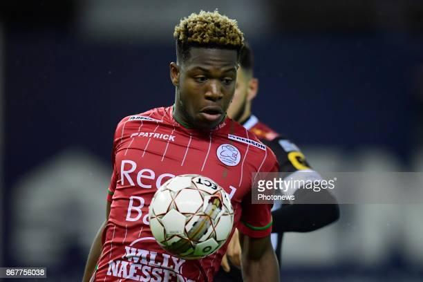 Aaron Leya Iseka forward of SV Zulte Waregem controls the ball on his chest during the Jupiler Pro League match between SV Zulte Waregem and KV...