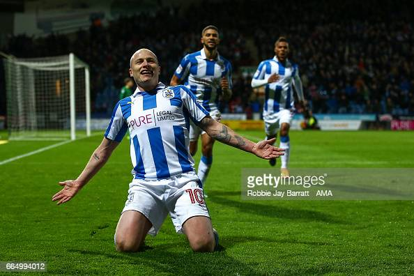 Huddersfield Town v Norwich City - Sky Bet Championship : News Photo
