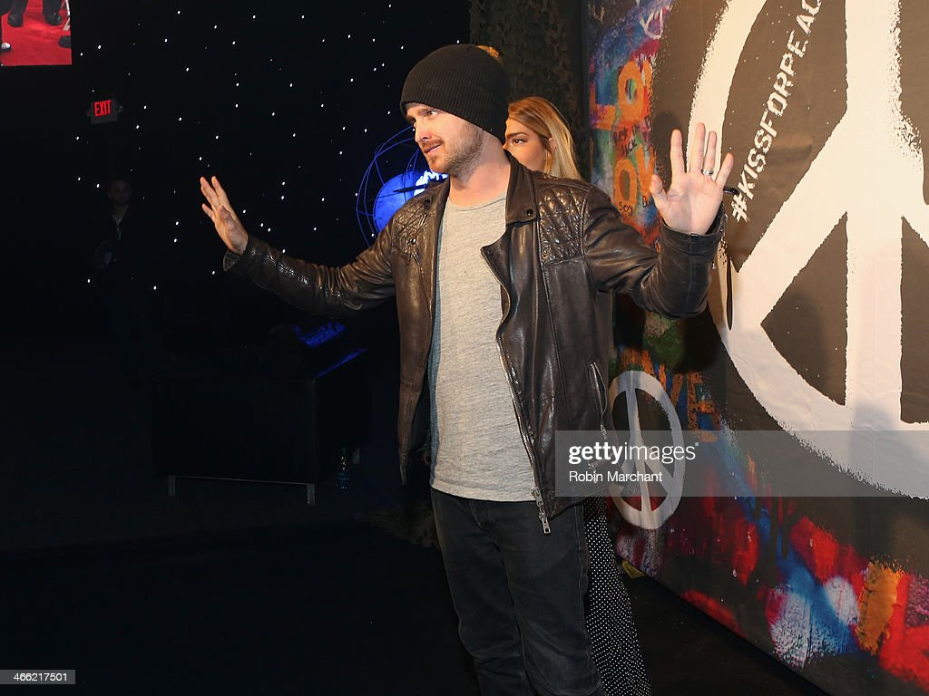 <a gi-track='captionPersonalityLinkClicked' href=/galleries/search?phrase=Aaron+Paul+-+Actor&family=editorial&specificpeople=693211 ng-click='$event.stopPropagation()'>Aaron Paul</a> attends the ESPN The Party at Basketball City - Pier 36 - South Street on January 31st, 2014 in New York City