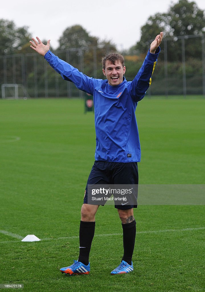 <a gi-track='captionPersonalityLinkClicked' href=/galleries/search?phrase=Aaron+Ramsey&family=editorial&specificpeople=4784114 ng-click='$event.stopPropagation()'>Aaron Ramsey</a> of Arsenal during a training session at London Colney on October 21, 2013 in St Albans, England.