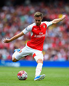 Aaron Ramsey of Arsenal shoots just wide during the Barclays Premier League match between Arsenal and West Ham United at the Emirates Stadium on...