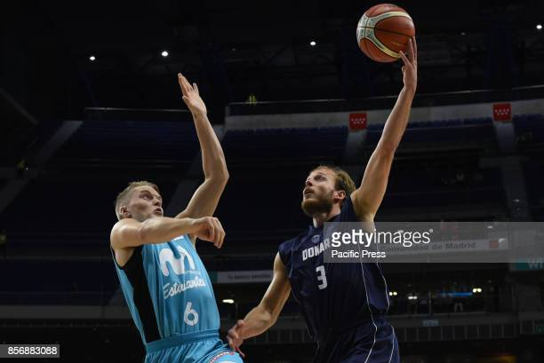 Aaron Roye #3 of Donar Groningen in action during the second game of Qualification Round for the basketball Champions league between Estudiantes and...
