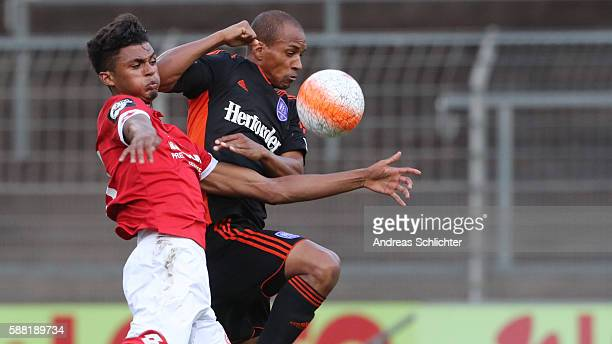 Aaron Seydel of Mainz 05 II challenges David Pisot of VFL Osnabrueck during the Third League match between 1FSV Mainz 05 II and VFL Osnabrueck at...