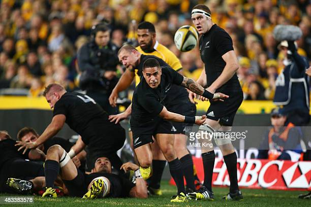 Aaron Smith of the All Blacks passes during The Rugby Championship match between the Australia Wallabies and the New Zealand All Blacks at ANZ...