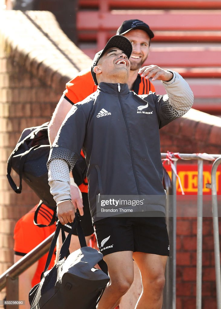 Aaron Smith of the All Blacks shares a joke with team mate Kieran Read during a New Zealand All Blacks training session at North Sydney Oval on August 17, 2017 in Sydney, Australia.