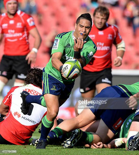 Aaron Smith of the Highlanders passes during the Super Rugby match between Emirates Lions and Highlanders at Emirates Airline Park on May 09 2015 in...