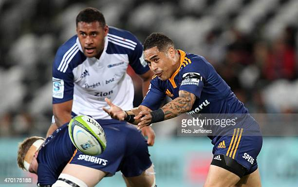 Aaron Smith of the Highlanders passes the ball during the round 10 Super Rugby match between the Highlanders and the Blues at Forsyth Barr Stadium on...