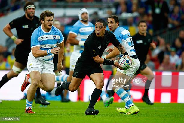 Aaron Smith of the New Zealand All Blacks looks to pass during the 2015 Rugby World Cup Pool C match between New Zealand and Argentina at Wembley...