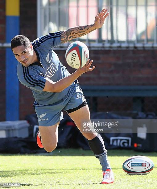 Aaron Smith passes the ball during the All Blacks training session held at Wits University on September 30 2014 in Johannesburg South Africa