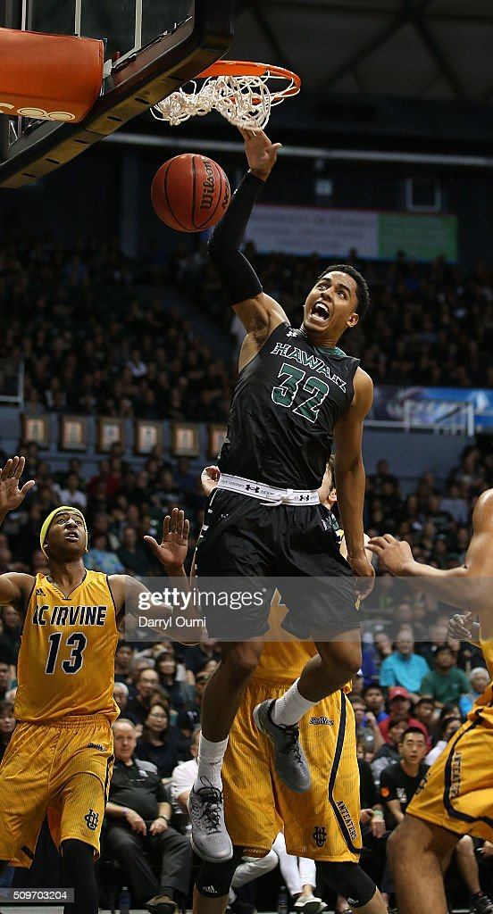 Aaron Valdes #32 of the Hawai'I Rainbow Warriors finishes a dunk against the UC Irvine Anteaters at Stan Sheriff Center on February 12, 2016 in Honolulu, Hawaii.