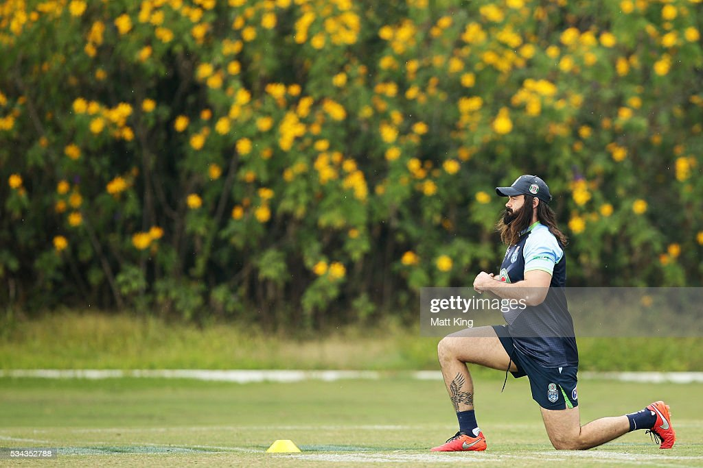 <a gi-track='captionPersonalityLinkClicked' href=/galleries/search?phrase=Aaron+Woods&family=editorial&specificpeople=7618727 ng-click='$event.stopPropagation()'>Aaron Woods</a> of the Blues stretches during a New South Wales State of Origin media opportunity on May 26, 2016 in Coffs Harbour, Australia.