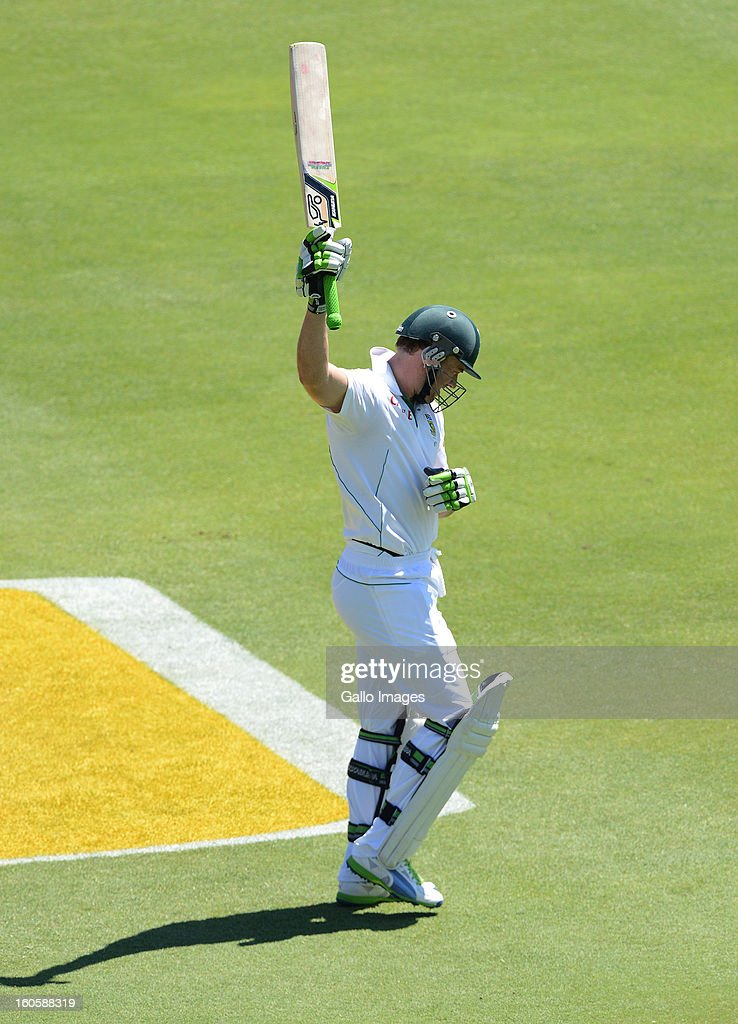 Ab de Villiers of South Africa walks out to bat during day 3 of the 1st Test match between South Africa and Pakistan at Bidvest Wanderers Stadium on February 03, 2013 in Johannesburg, South Africa.