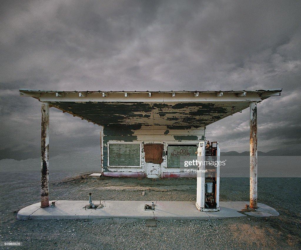 Abandoned Gas Station, Niland CA